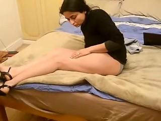 Pakistani Bushra Bhabhi Legs