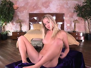 Ravishing stunner is showing off her stretched yummy twat in