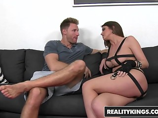 RealityKings - Milf Hunter - Brooklyn Chase Levi Cash - Stra