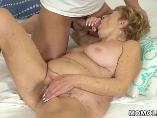 Nasty granny loves hardcore fuck