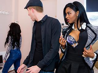 Jasmine Webb & Danny D in Real Estate Milf - Brazzers