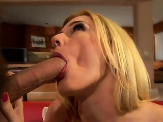 Stunning blonde mom Darryl Hanah gets her aching holes drilled rough