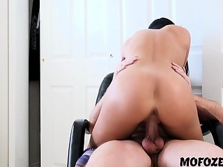Megan Rain Her Incredible Twerking Ass To Distract