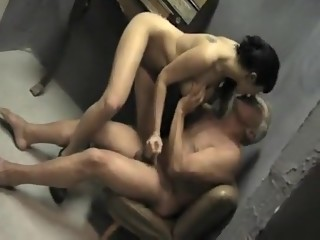 Incredible Oldie, Brunette sex clip