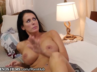 Teen cheerleader lily jordan seduced by milf coach