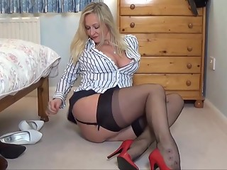 Solo Stockings Show 4