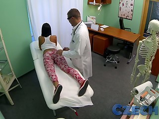 Czech Patients bad back doesn't stop doctor bending her over