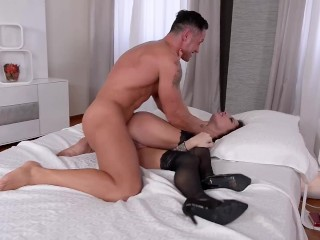 Submissive nikita bellucci deepthroat and epic double penetration