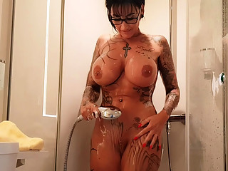 German big tits tattoo milf shave pussy in shower