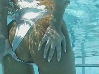 Underwater peek