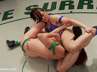All Natural Babes, Cheyenne Jewel Vs. Odile Someone Gonna Tap Out - Publicdisgrace