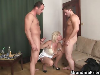 Threesome fucking with old bitch