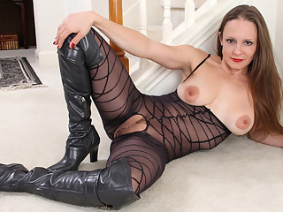 Sydney Johnson in Horny And Ready - Anilos