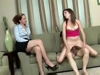 Incredible Skinny, Threesomes sex scene