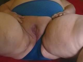 Juicy BBW pussy squirt