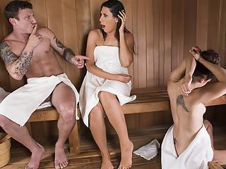 Makayla Cox & Mr. Pete in Sneaky Sauna Mama - Brazzers