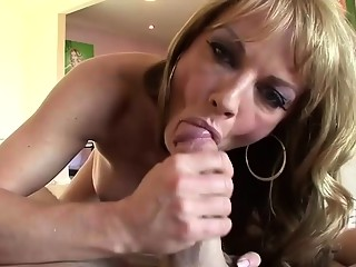 Shayla LaVeaux enjoys her facial after fucking