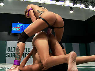 2 Hot Wrestlers Battle In The Featherweight Divisionveteran Destroys Rookie, Fucks Her Up Hard - Pub