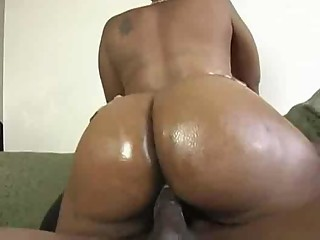 Sexy Ebony Milf Gets Fucked For Some Extra Change